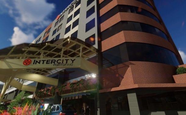 Estrutura do Hotel Intercity Portofino Florianópolis é destaque em conforto