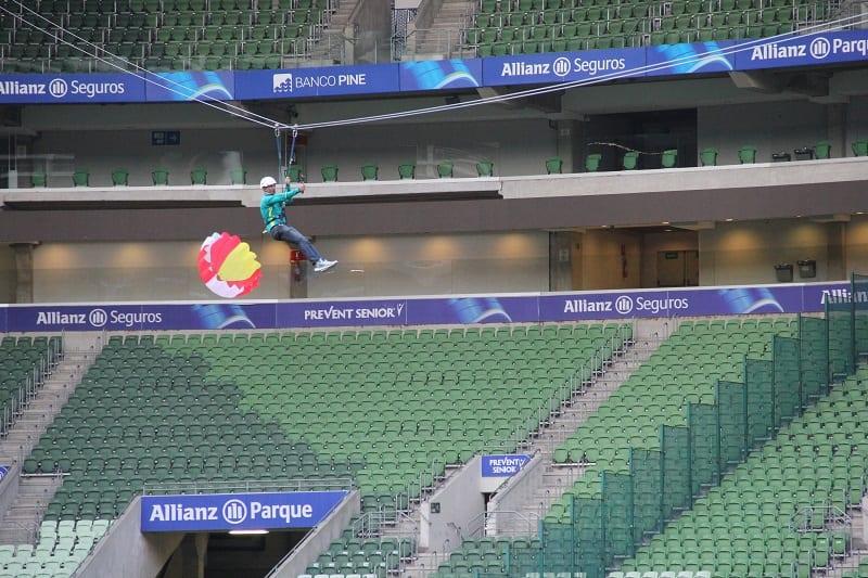 Tirolesa é nova atração de férias do Allianz Parque (veja os vídeos!)