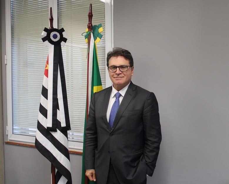 Secretário Vinícius Lummertz analisa questão da regulamentação dos cassinos em São Paulo