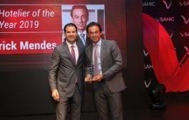 Patrick Mendes, CEO da Accor América do Sul, recebe prêmio de hoteleiro do ano na SAHIC 2019