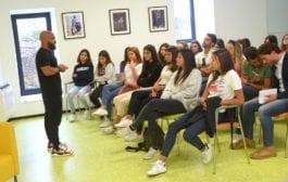 Personal das Estrelas revela três segredos para o sucesso durante palestra em Portugal
